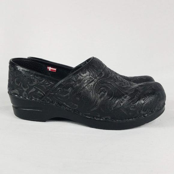 0bffa4c01dda Sanita by Dansko Gwenore Black Leather Clogs Sz 7.  M_5bf34ea861974510467859c1